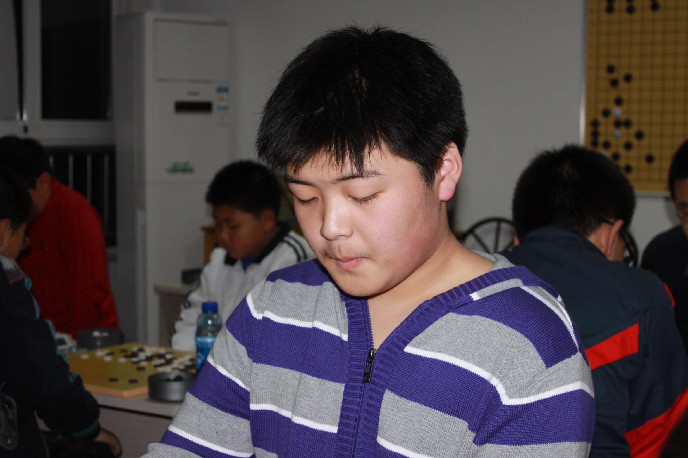 吴昊二段参加弈先围棋交流赛