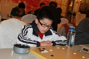 洪子骁5段代表弈先参加青岛市围棋联赛